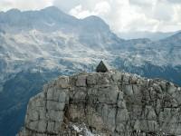Dormir gratuitement dans une hutte isolée dans un décor magnifique – Il vous faudra gravir 8 300 pieds pour vous y rendre