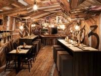 Izakaya Kinoya – Un restaurant à Montréal qui a un décor complètement éclaté
