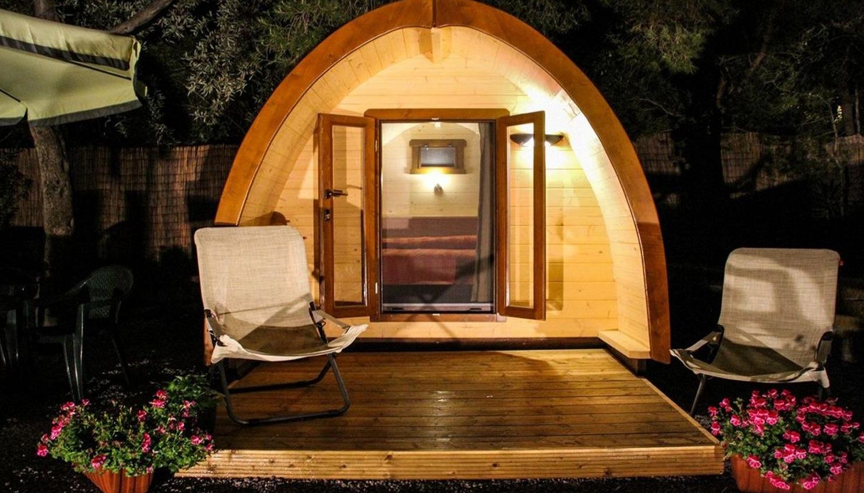 le pod une sorte d 39 habitation bien diff rente sur les terrains de camping au qu bec joli. Black Bedroom Furniture Sets. Home Design Ideas