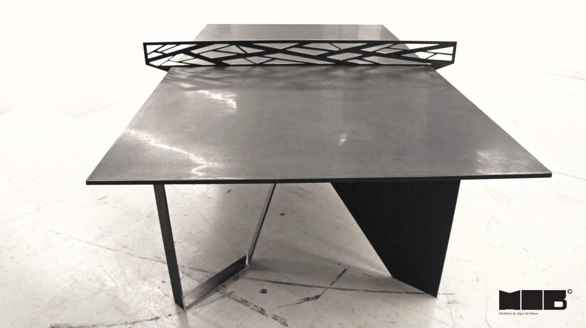 une table de ping pong en b ton noir et en acier faite par 2 entreprises qu b coises joli joli. Black Bedroom Furniture Sets. Home Design Ideas