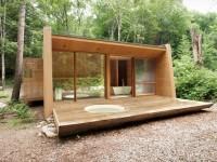 La maison secondaire La Luge située dans les Laurentides – Un spa privé occupant presque le tiers de la superficie de la résidence