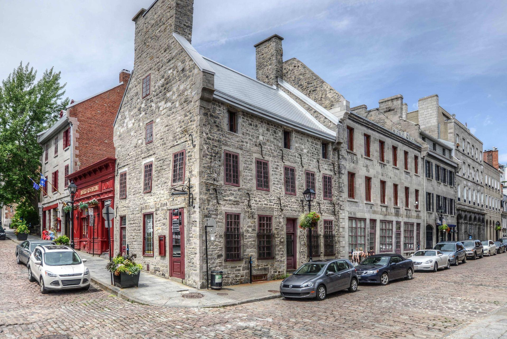 Un historique ch teau est pr sentement en vente pour 9 5 millions de dollars dans le vieux - La maison du hamac quebec ...