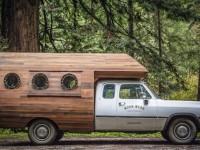 Transformer un camion en y ajoutant une structure en bois pour qu'il devienne un joli joli atelier