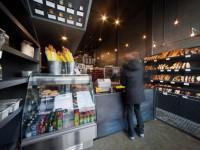 La Boulangerie Guillaume –  Aménager une boulangerie artisanale dans un local pour que les curieux puisent voir le processus de production