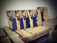 L'entreprise québécoise C'est Palette crée des cadres en recyclant le bois de palette
