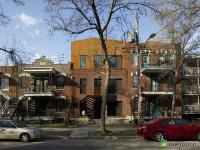 Un splendide loft conçu par 2 architectes québécois à vendre dans le quartier Rosemont/Petite Patrie à Montréal