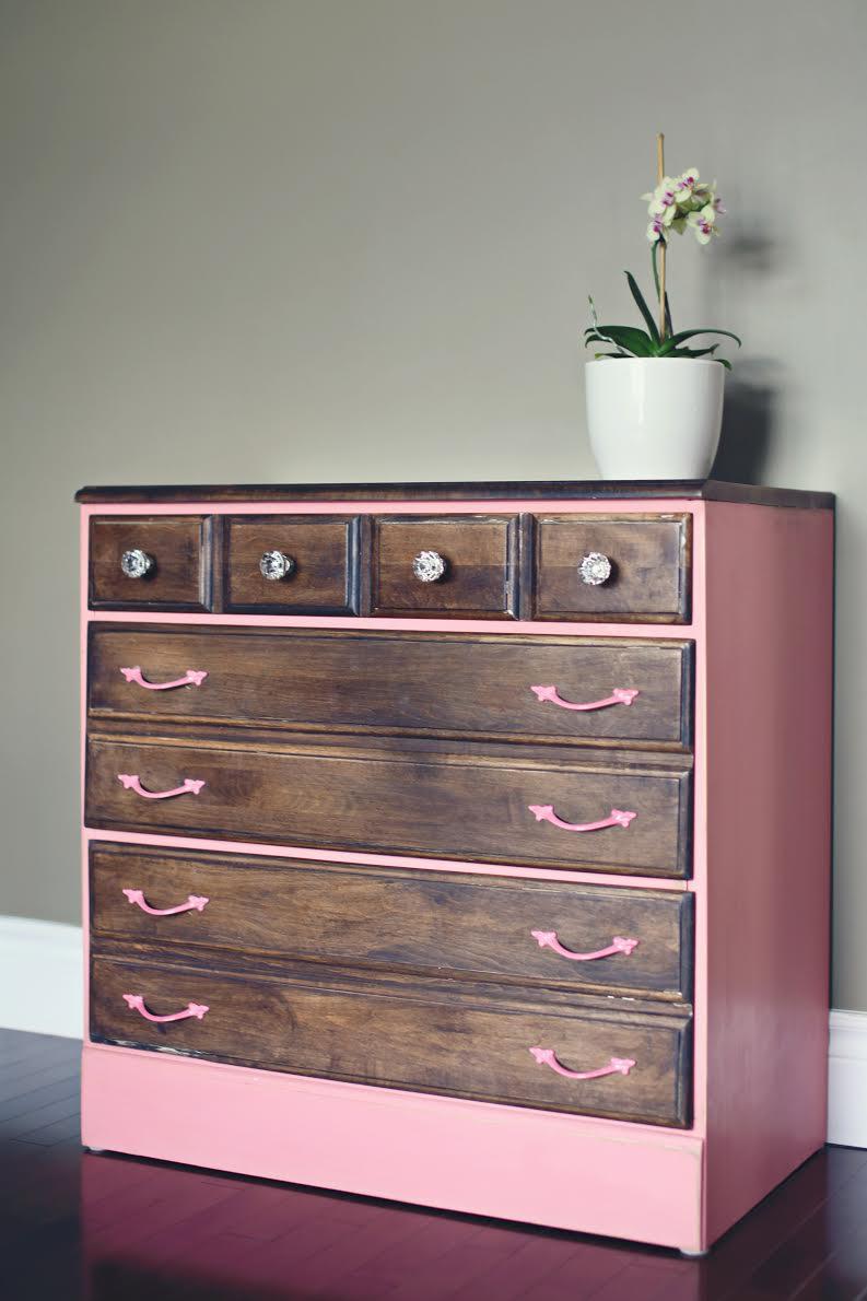 l 39 entreprise qu b coise casbah r cup re et r nove des meubles et des antiquit s dans le but de. Black Bedroom Furniture Sets. Home Design Ideas