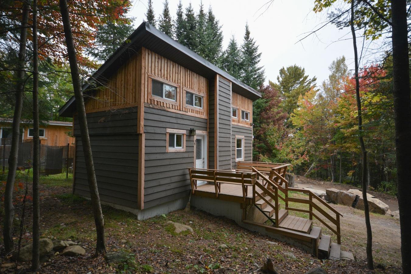 Une Chaleureuse Mini Maison Entierement Renovee A Val David Joli