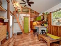Une chaleureuse mini-maison entièrement rénovée à Val-David