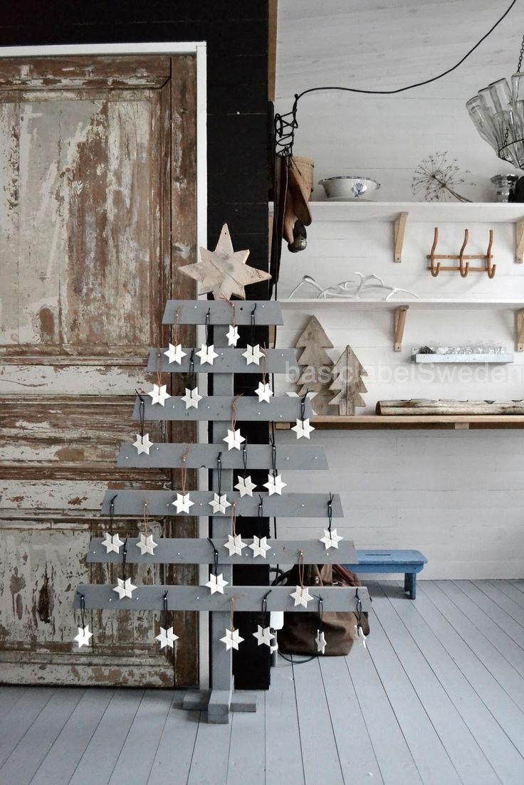 25 inspirations pour faire un sapin de no l avec des branches. Black Bedroom Furniture Sets. Home Design Ideas