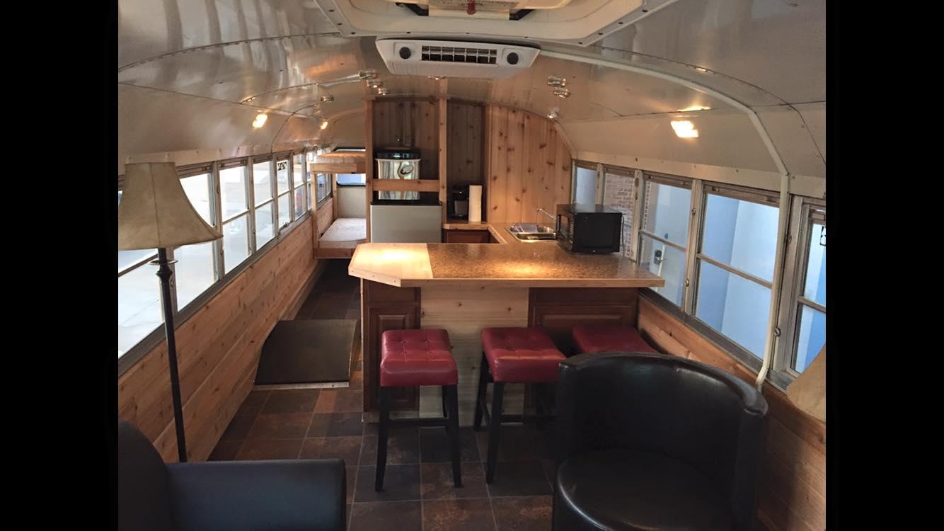 am nager un bus en maison gt62 jornalagora. Black Bedroom Furniture Sets. Home Design Ideas