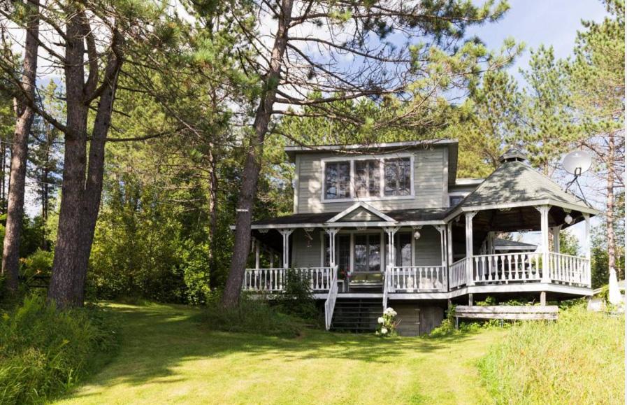 une maison qui fait r ver notre dame de montauban en mauricie joli joli design. Black Bedroom Furniture Sets. Home Design Ideas