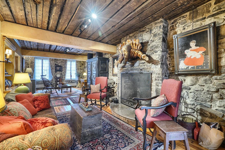 Rare Bijou Patrimonial La Maison Dumas Datant De 1740 Est 224 Vendre Joli Joli Design