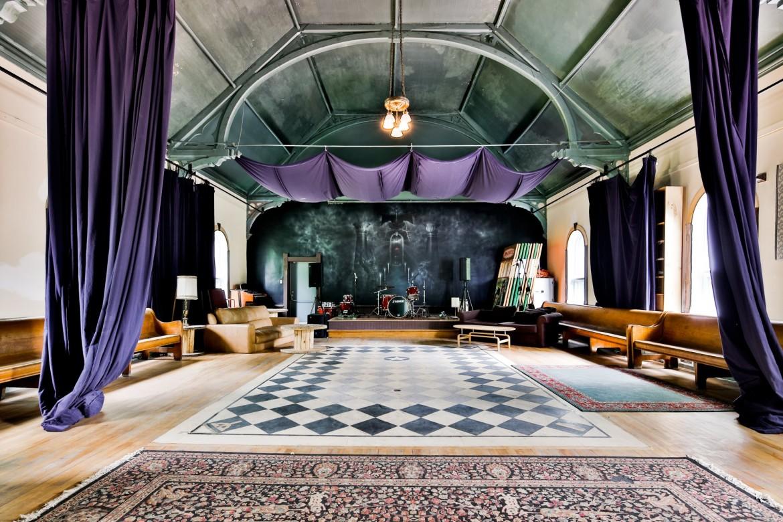 Vendre studio d arcade fire joli joli design for Formation decoration interieur montreal