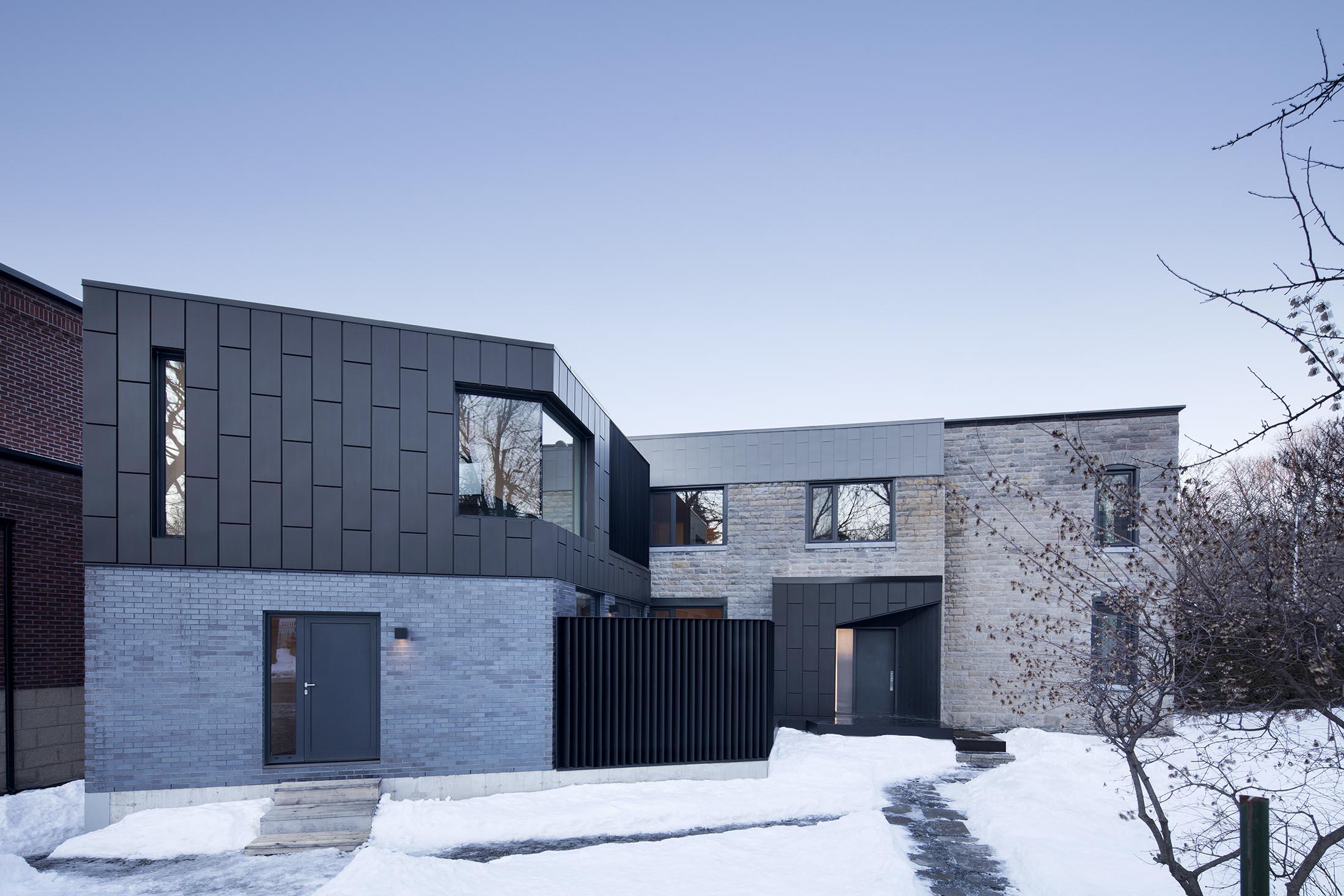 d 39 une incroyable maison ancestrale uvre architecturale ph nom nale montr al joli joli design. Black Bedroom Furniture Sets. Home Design Ideas