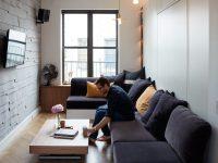 Après les mini-maisons, voici un inspirant studio-appartement de 350 pieds carrés!