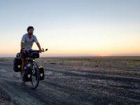 Ce Québécois est parti faire le tour du monde à vélo pour photographier le bon monde et les plus beaux paysages