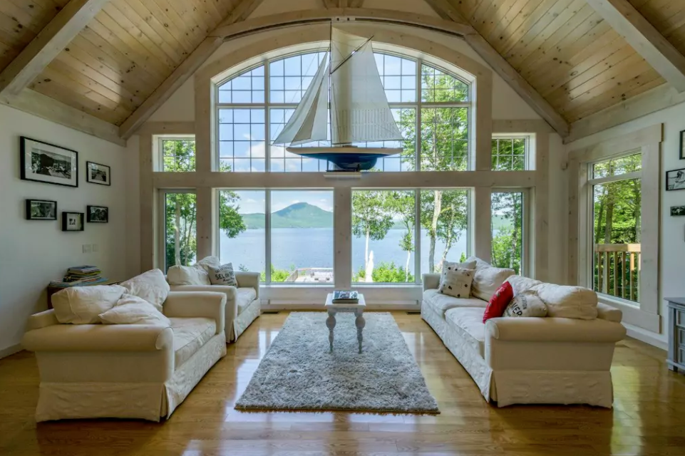 magnifique villa au plafond cath drale louer cet t sur airbnb ogden au qu bec joli joli. Black Bedroom Furniture Sets. Home Design Ideas