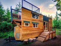 Un couple vit dans cette jolie mini-maison de 200 pieds carrés