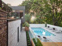 Cet inspirant projet d'agrandissement d'une maison des années 60 à Montréal