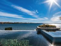 Cette maison à 3 millions de dollars à la piscine infinie est en vente sur la Rive-Sud de Montréal